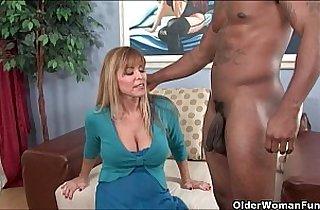 Busty amateur milf Nicole Moore gets cum coated