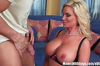 Slutty Housewife Diamond Foxxx Drools For Hard Cock