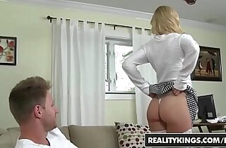 Vip  Giant boob  ,  giant titties  ,  hitchhiking   sex videos