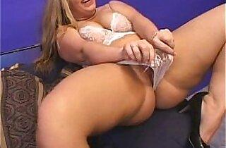 Mature blonde BBW does anal then jizzed