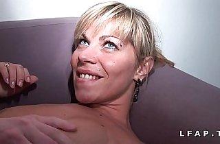Maman francaise grave sodomisee et couverte de sperme pour son casting amateur