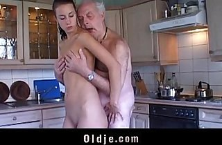 Vip  grandpa xxx  ,  leaking  ,  old-young   sex videos