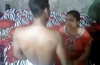 Desi Aunty Caught By Handy Camera