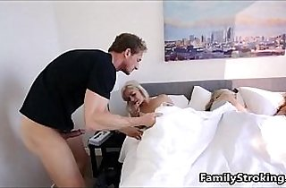 Step Dad Wakes Up Teen Daughter See Full hd Video
