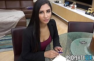 PropertySex Hot real estate agent cheats on boyfriend to land real estate deal